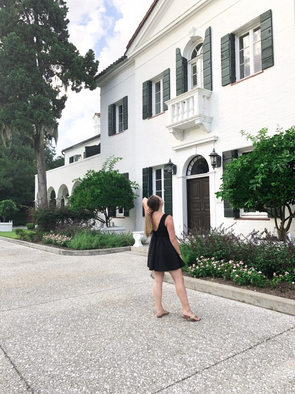 Atlanta-based travel blogger, Alex, from The Berger Bungalow shares her time at the Jekyll Club, the best luxury beach resort in Georgia